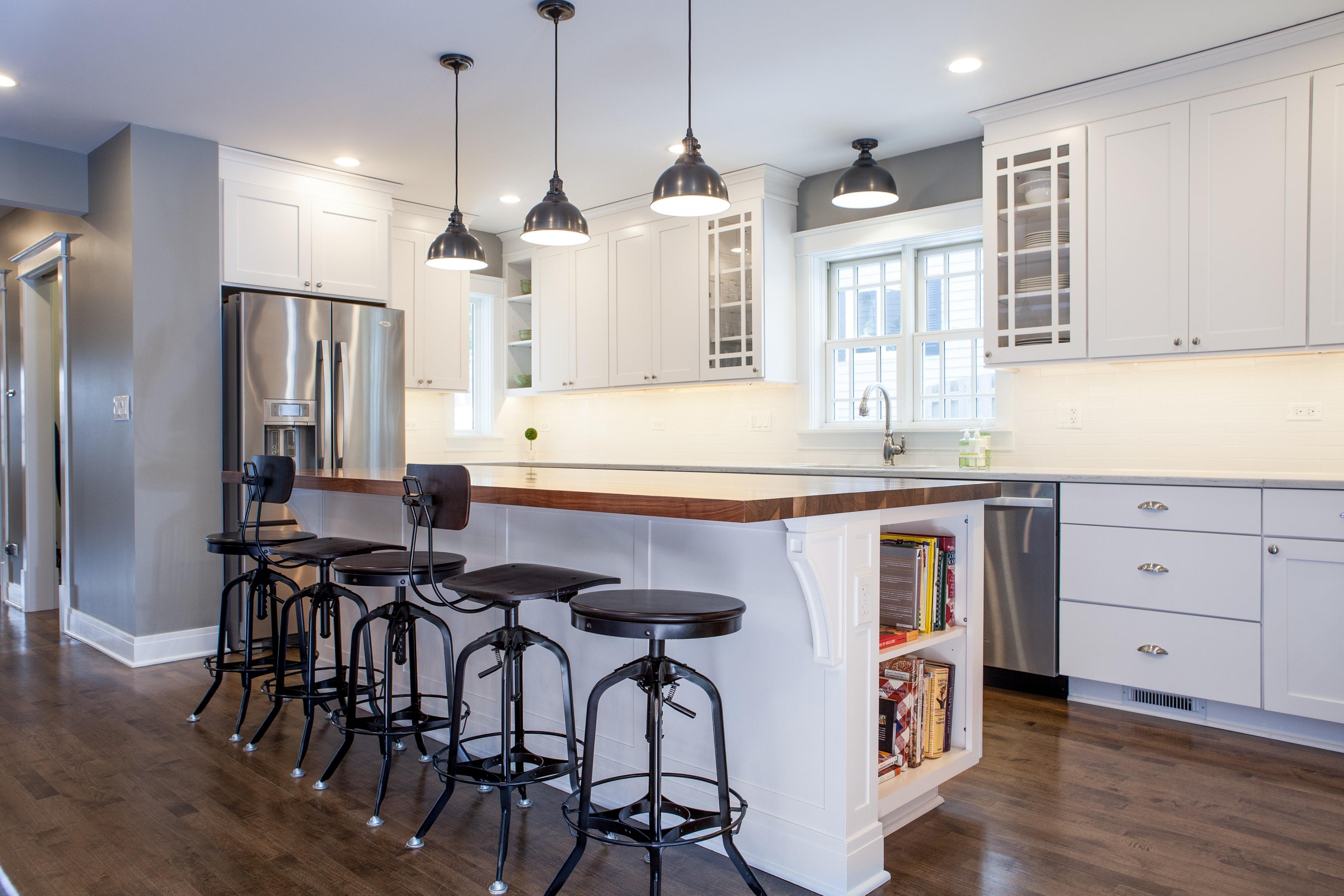 Kitchen Island Layout Idea - Libertyville Kitchen